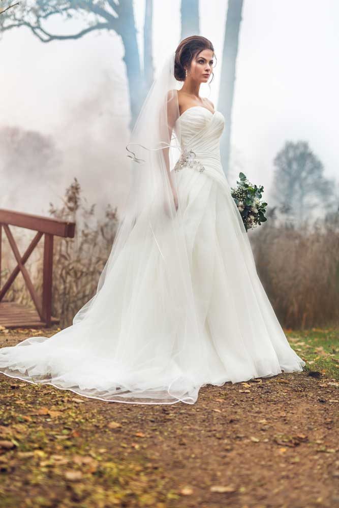 Strapless Princess Wedding Dresses Make Any Bride Stunning