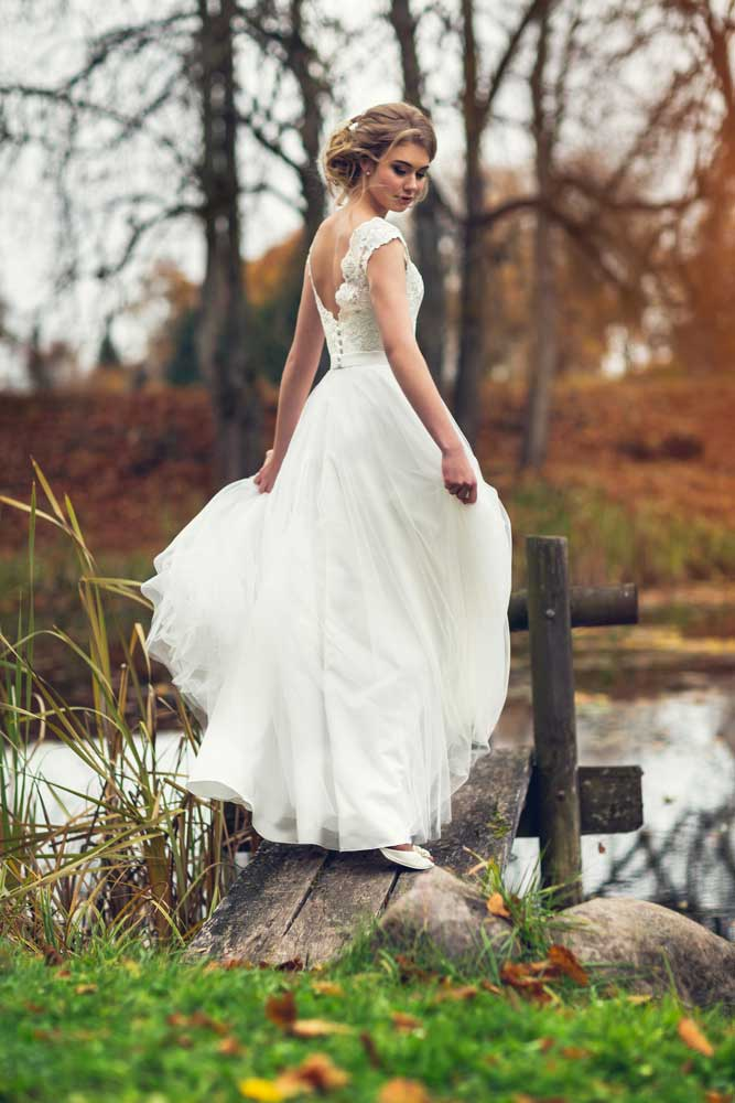 romantic beckless wedding dress