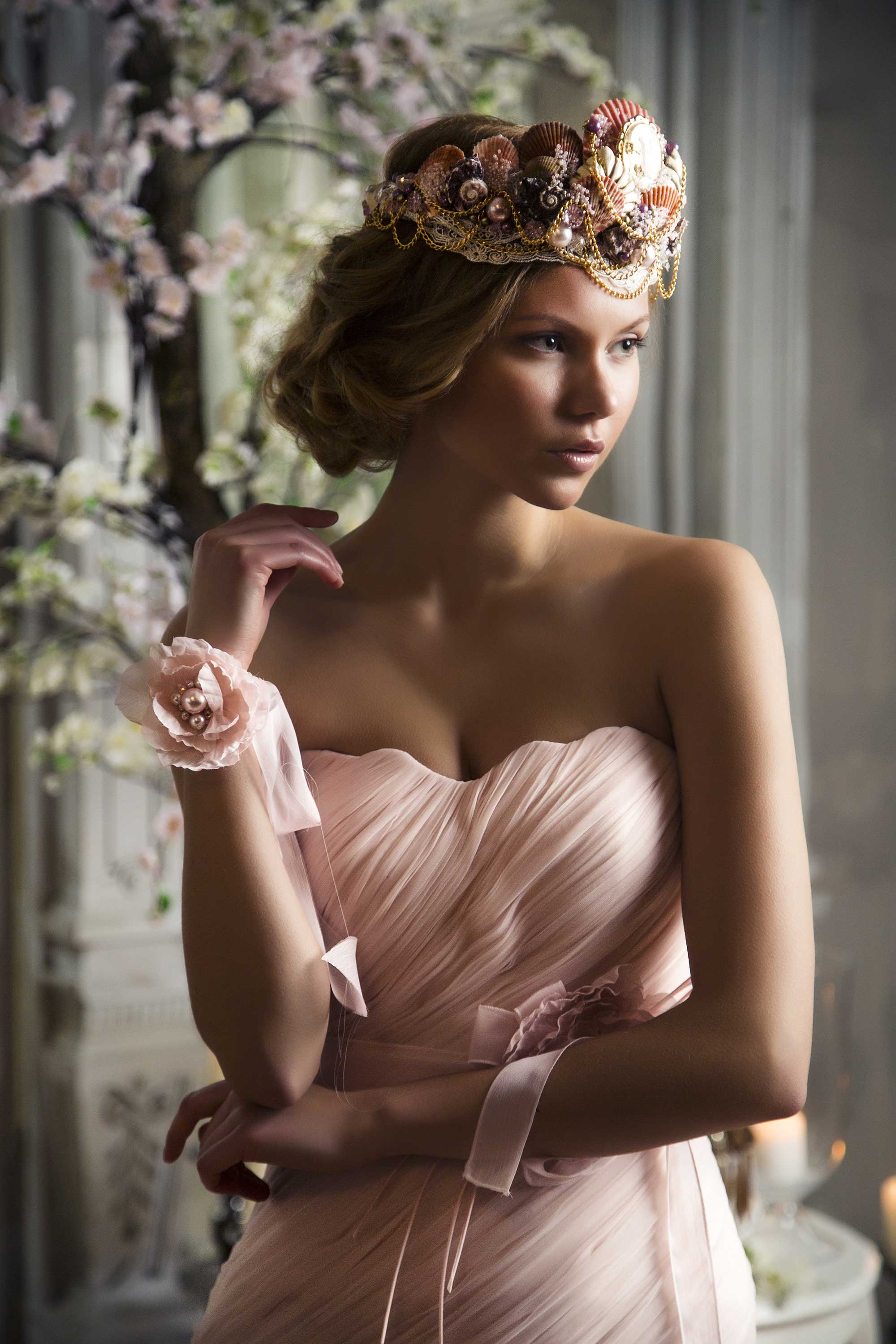 Bridal_crown_pink_Ingrida_Bridal