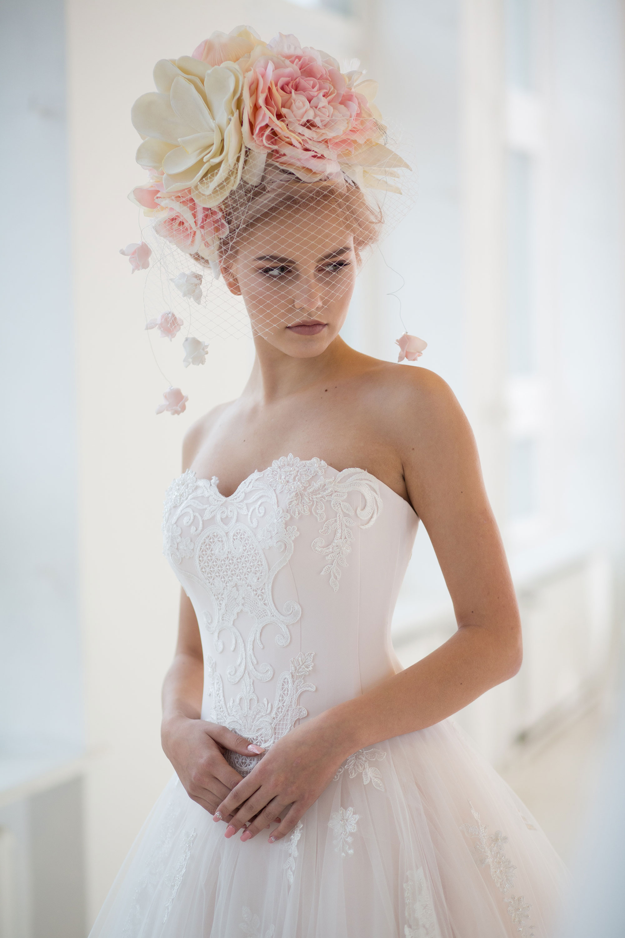 Bridal_flower_wreath_with_veil_Ingrida_Bridal
